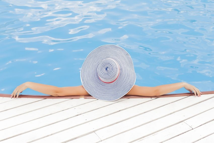 ¿Cómo limpiar tu piscina cuando llega el buen tiempo?